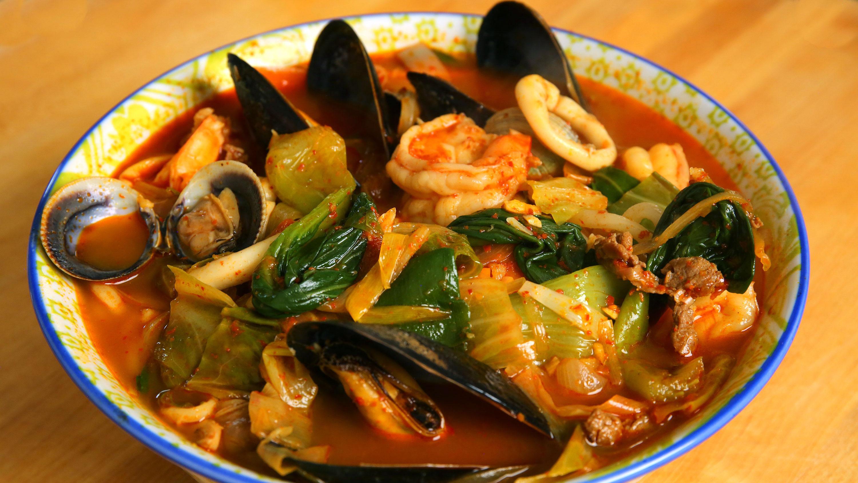 Korean/Chinese Seafood Noodles Jjamppong 짬뽕