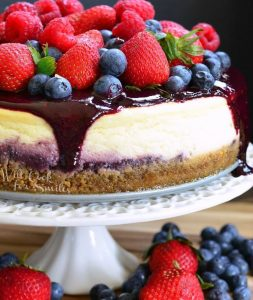 cheesecake-with-triple-berry-topping