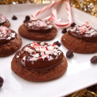 chocolate-peppermint-cookies-1024x577