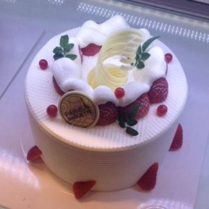 Korean Fresh Cream Cake 생크림 케이크