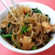 Korean Stir Fried Glass Noodles JapChae 잡채
